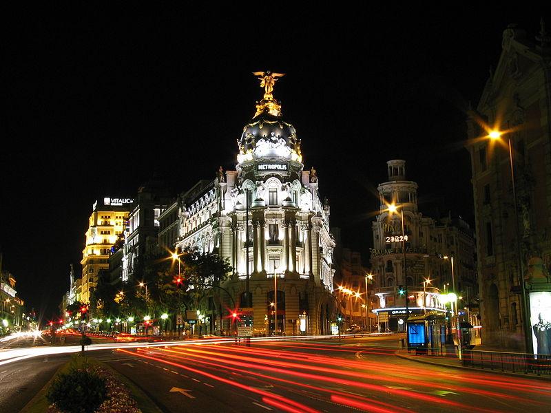 800px-Calle_de_Alcalá_(Madrid)_04