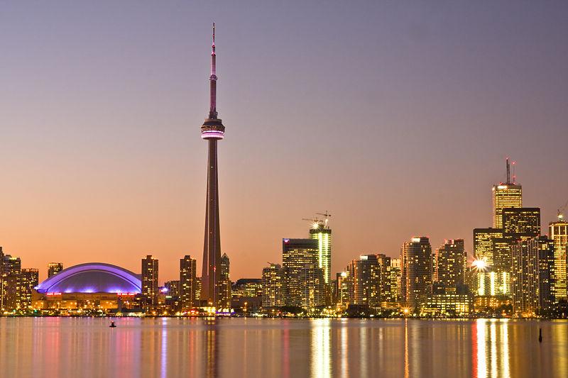 800px-Toronto_at_Dusk_-a