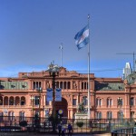 1280px-Casa_Rosada-bandera-TM
