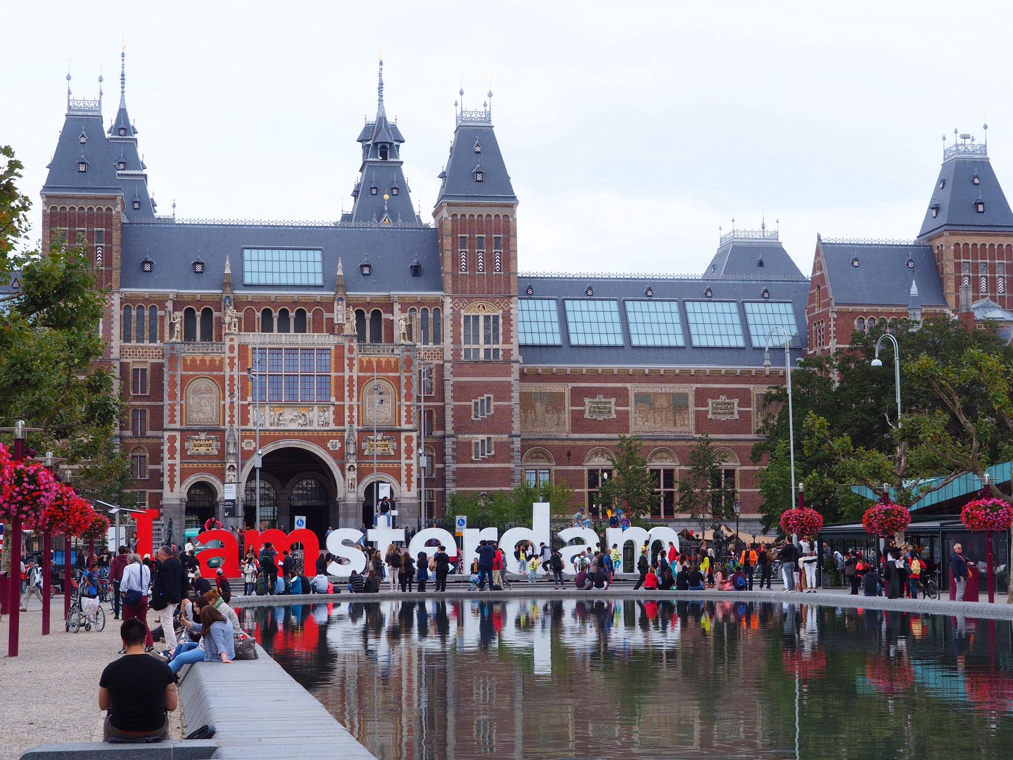 O Rijksmuseum, em Amsterdam, é um dos locais mais famosos da Holanda/ Foto via Flickr
