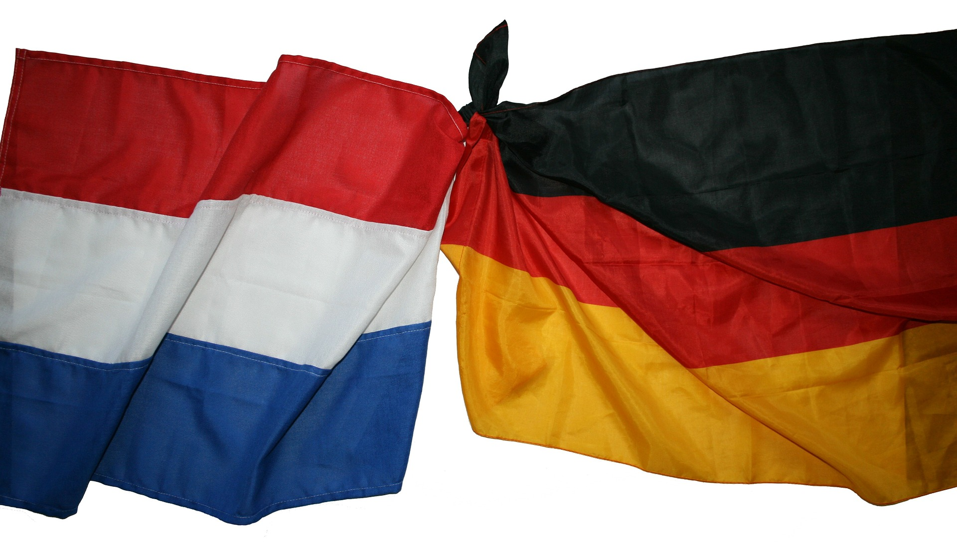flags-143171_1920